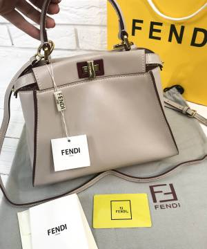 Сумка Fendi Peekaboo Medium Satchel Biege