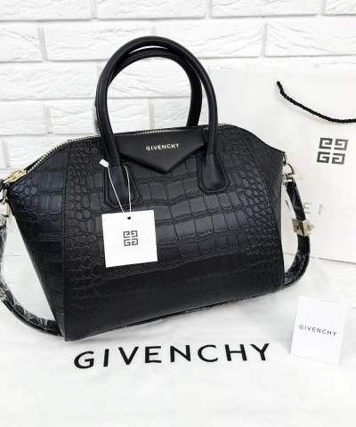 Сумка Givenchy Antigona с текстурой под крокодила