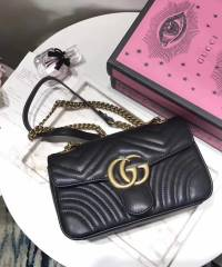 Сумка Gucci GG Marmont Small Shoulder Bag