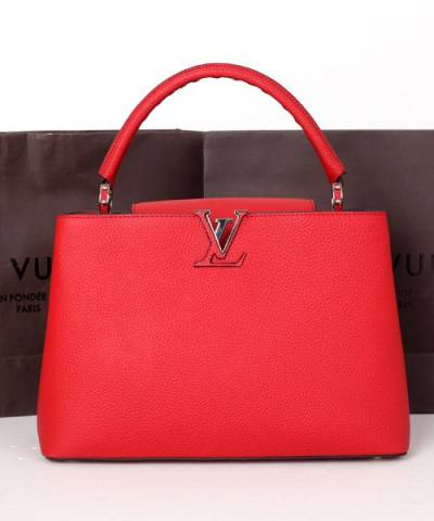 Сумка Louis Vuitton Capucines Red