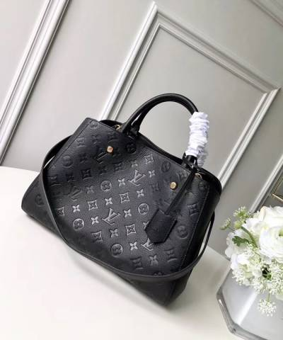 Сумка Louis Vuitton Montaigne Empreinte MM Bag Black