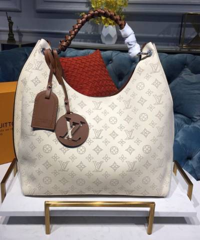 Сумка Louis Vuitton Carmel Mahina Bag Cream