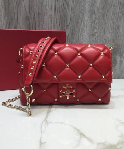 Сумка Valentino Garavani Candystud Medium Shoulder Bag Red