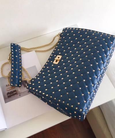 Сумка Valentino Garavani Quilted Rockstud Spike Tote Bag Blue