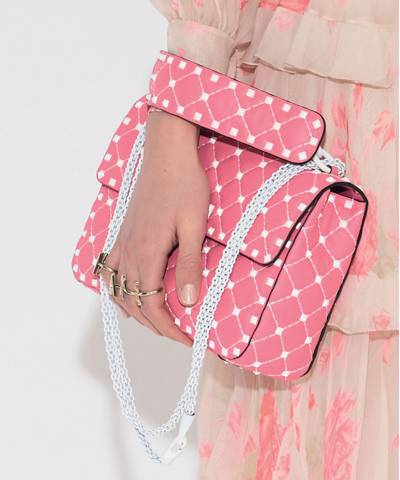 Сумка Valentino Rockstud Quilted Leather Shoulder Bag Pink