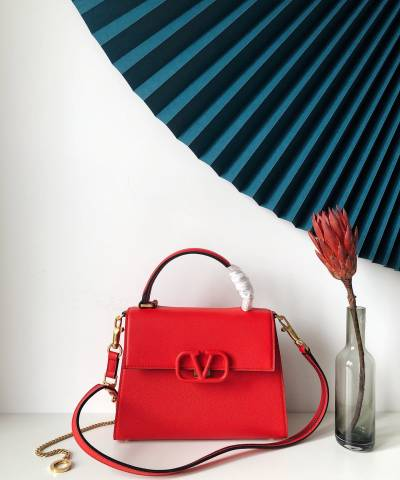 Сумка Valentino Garavani VSLING Bag Red