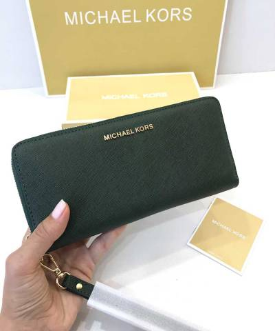 Кошелек Michael Kors Jet Set Travel Continental Wristlet Moss